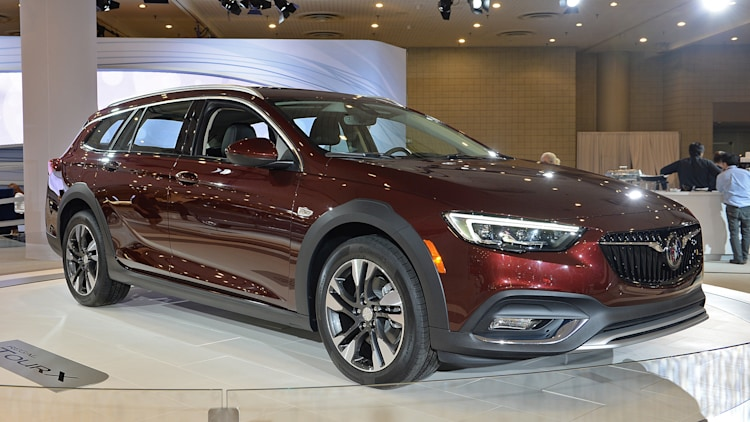 2018 Buick Regal Tourx New York 2017 Photo Gallery Autoblog