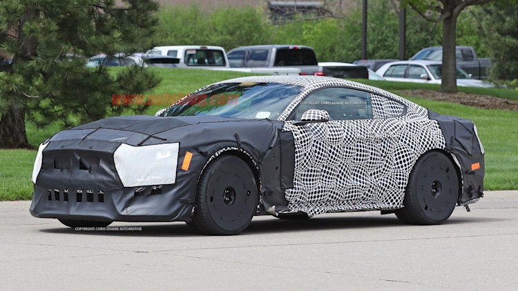 2019 Ford Shelby GT500 Spy Shots Photo Gallery | Autoblog