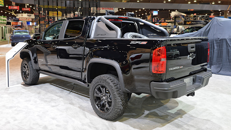 2018 chevrolet colorado zr2 midnight edition sema 2017 photo gallery autoblog. Black Bedroom Furniture Sets. Home Design Ideas