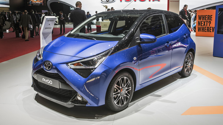 2019 toyota aygo geneva 2018 photo gallery autoblog. Black Bedroom Furniture Sets. Home Design Ideas