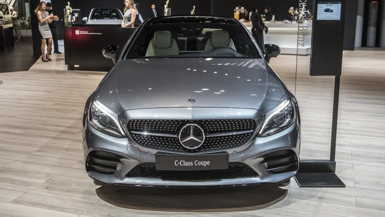 2019 mercedes benz c class coupe new york 2018 photo gallery autoblog - Mercedes c class coupe convertible ...