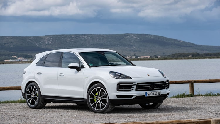 2019 porsche cayenne e hybrid may 14 2018 photo gallery autoblog. Black Bedroom Furniture Sets. Home Design Ideas