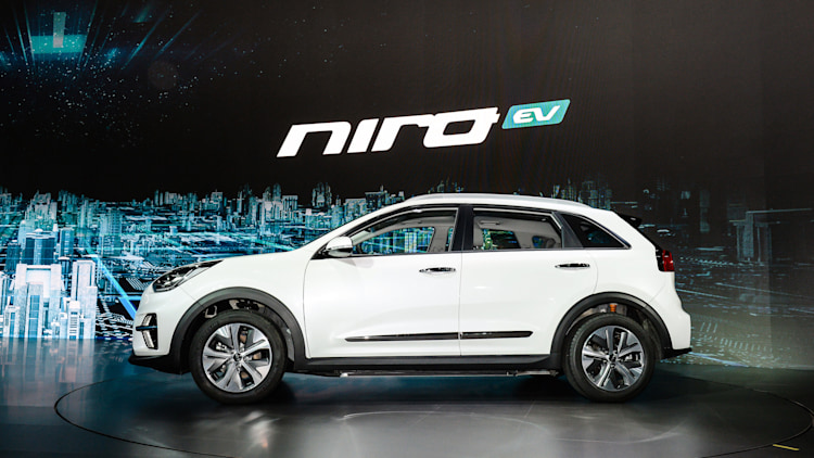 2019 kia niro ev jun 7 2018 photo gallery autoblog. Black Bedroom Furniture Sets. Home Design Ideas