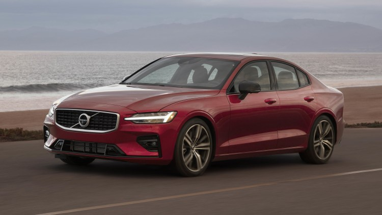 2019 Volvo S60 R-Design Photo Gallery - Autoblog
