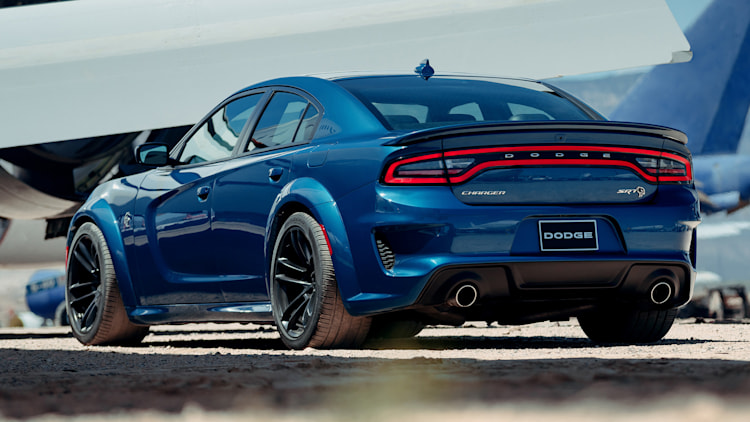 2020 dodge charger hellcat widebody photo gallery   autoblog