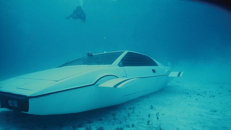 The time Elon Musk paid $1 million for James Bond submarine car that cost a couple $100