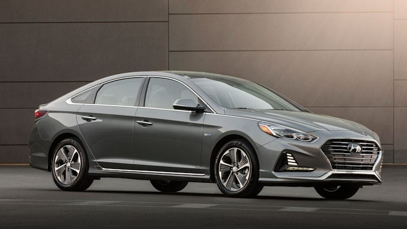 Hyundai Sonata Hybrid starting price is $500 cheaper for 2018
