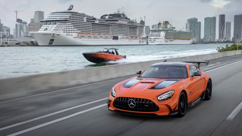 Mercedes-AMG's 2,250-hp Cigarette Racing boat is smoking hot