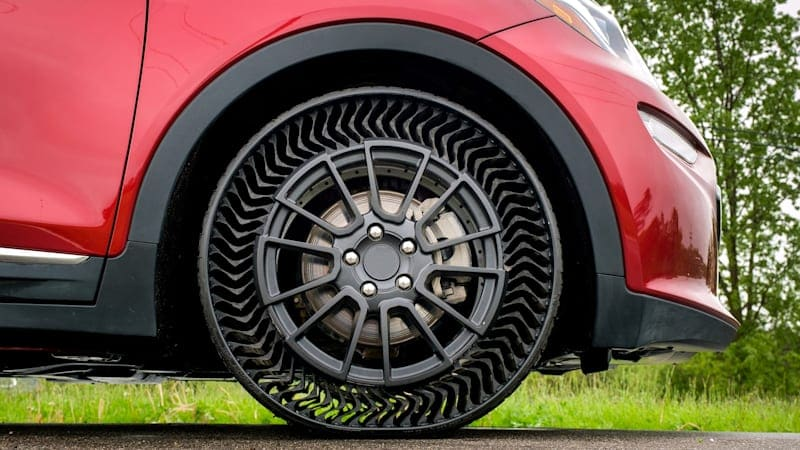 Airless tire makers hope for breakout moment with autonomous driving