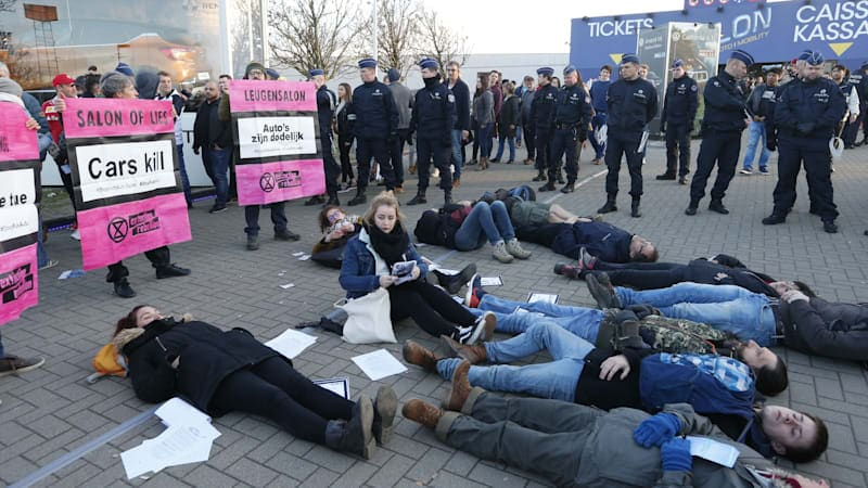 Police detain 185 climate protesters at Brussels Motor Show