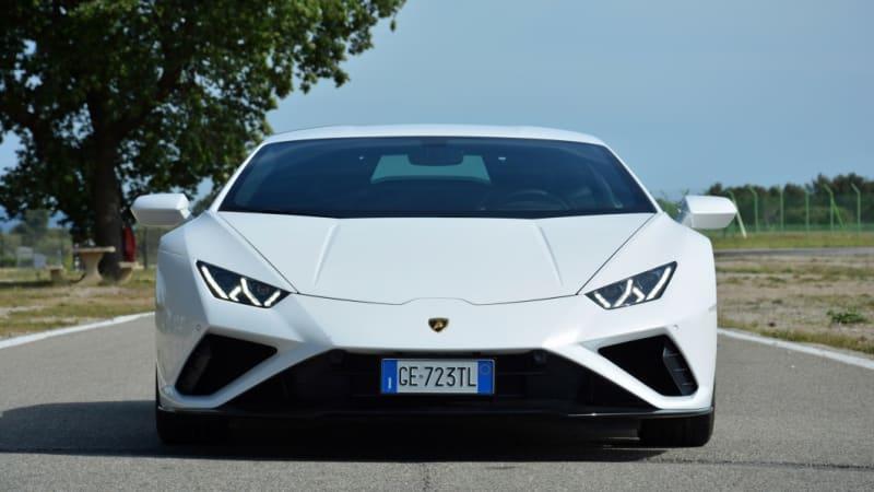 2021 Lamborghini Huracán Evo RWD First Drive | One smart, well-groomed bull