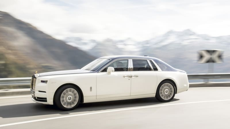 The Rolls-Royce Phantom leads this month's list of discounts