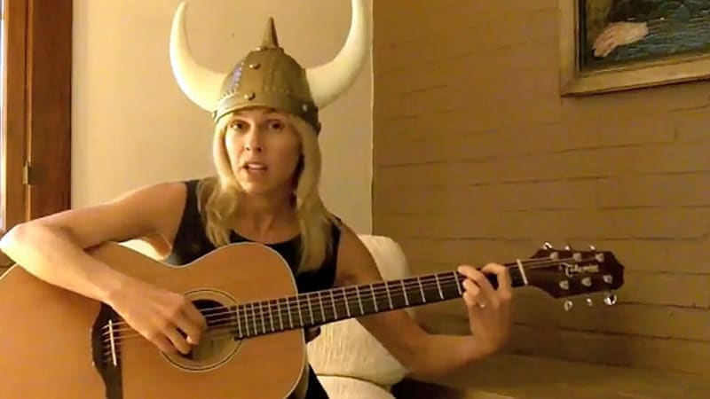 VIDEO: Disgruntled Volvo owner starts blog, crafts lament in her native Swedish tongue