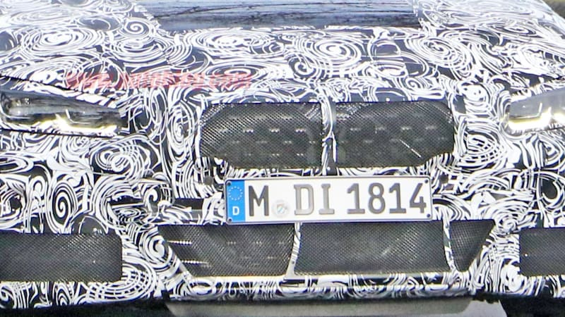 BMW 4 Series spy shots give us a glimpse of that giant grille