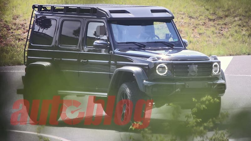 UPDATE: Lightly camouflaged Mercedes-Benz G-Class could be a 4x4 Squared or a Brabus