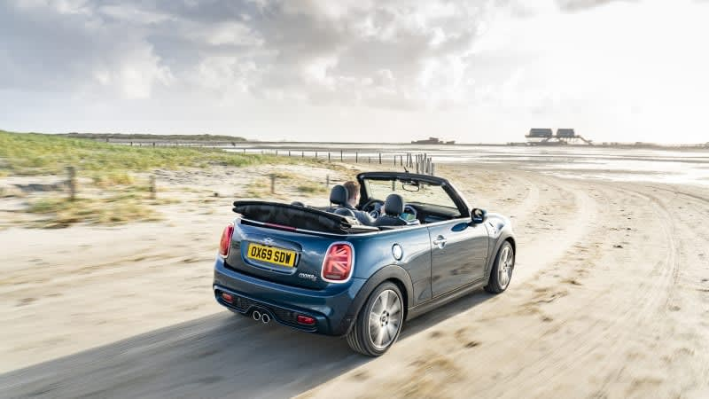 Mini Convertible will reportedly close its top for the final time in 2024