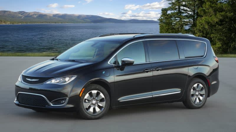 2020 Chrysler Pacifica Review & Buying Guide | A marvelous minivan