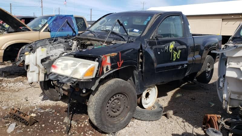 Junkyard Gem: 2006 Mitsubishi Raider