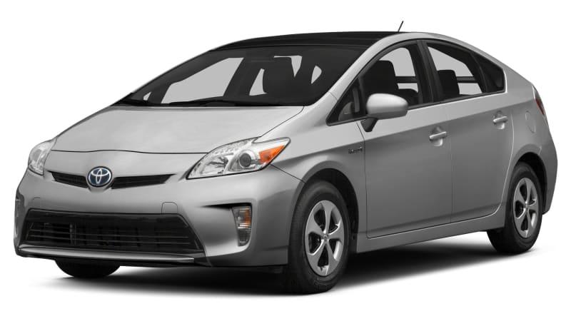 Toyota recalling 752,000 Prius vehicles