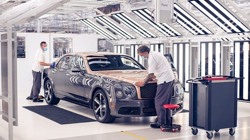 The Bentley Mulsanne exits the stage as production ends