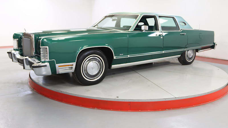 This 1977 Lincoln Continental Town Car is very green
