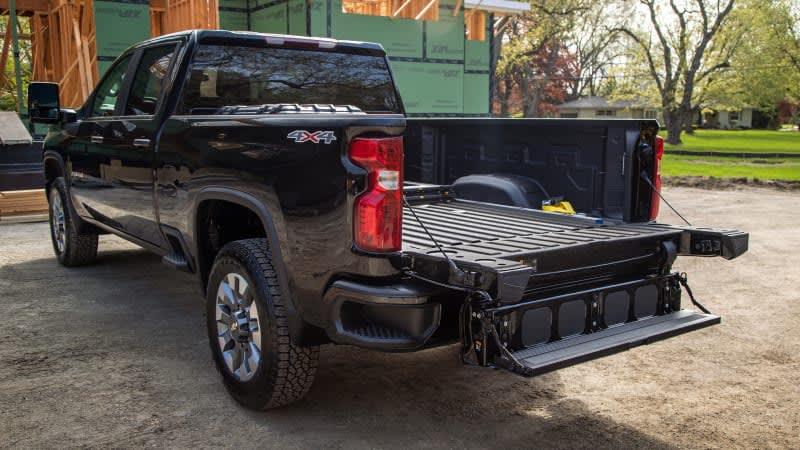 2022 Chevy Silverado HD gains Multi-Flex tailgate as an option