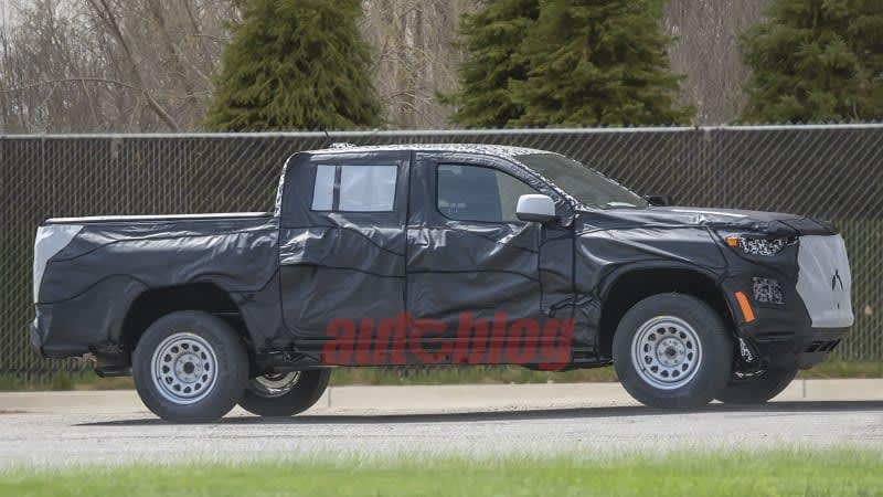 Next-generation Chevrolet Colorado breaks cover in new spy photos