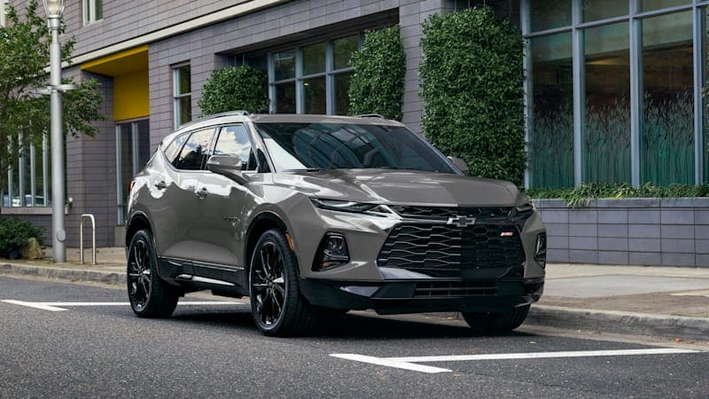 2022 Chevy Blazer drops base engine, adds bright paint options