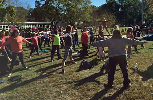 Hundreds of women protest over call for yoga leggings 'ban'