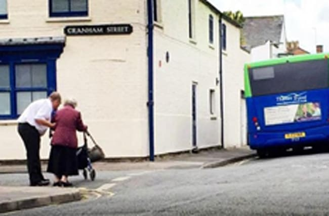 Sweet picture of bus driver's act of kindness goes viral