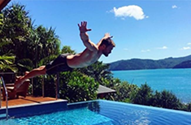 Thoooor! Star Chris Hemsworth shows off his ripped body