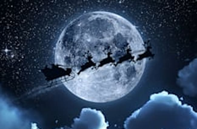When will 'Santa's Sleigh' pass over the UK this Christmas?