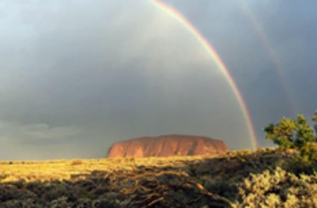 Photographer captures stunning double rainbow at landmark