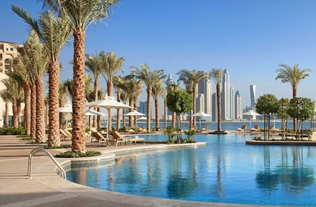 379 € – Frühbucher: 1 Woche Emirate-Luxus mit Flug, -1200 €