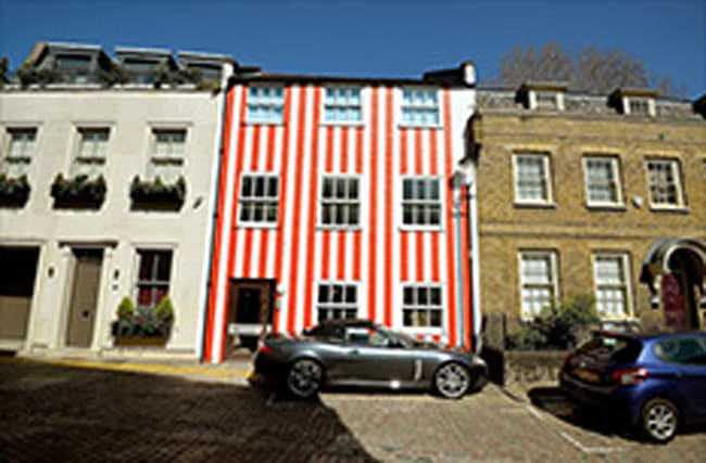 Woman told she can keep 'candy' stripes on London house