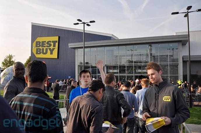 Best Buy founder wants slashed prices, Apple-style customer service in $10 billion rescue plan