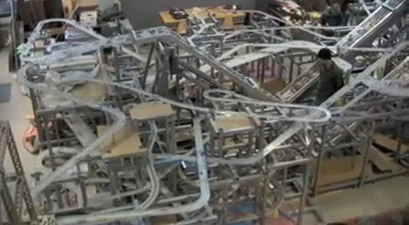 Metropolis II: the kinetic sculpture built out of boy racer dreams (video)
