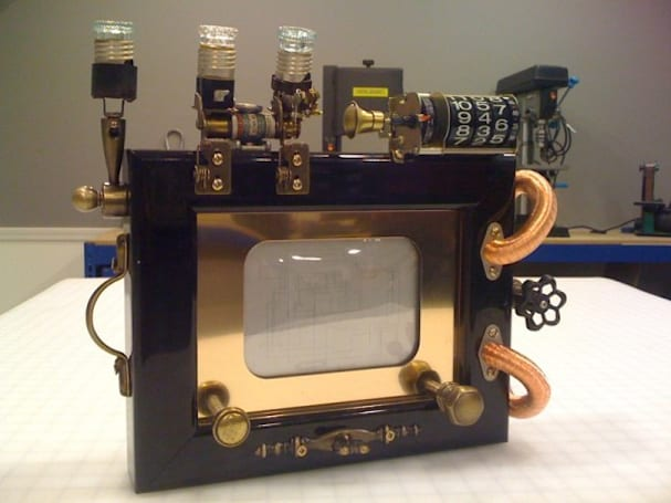 We know you didn't get this Steampunk Etch-a-Sketch for Christmas, but you probably want it now, don't you?