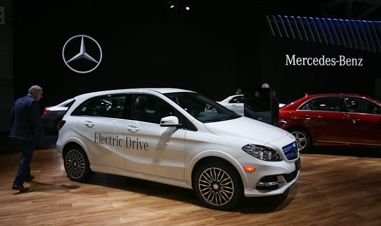 Daimler will fight Tesla with 'at least' six electric cars