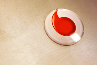 Vodafone scraps line rental charges for fibre broadband