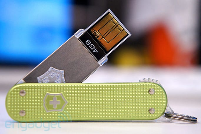 Victorinox Swiss Army Slim, Slim Duo USB drives begin shipping, won't get you into trouble with the TSA