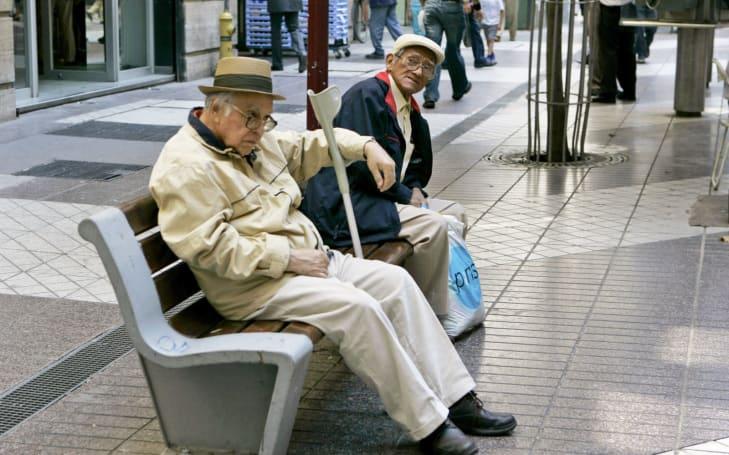 Sensor tech predicts when senior citizens are at risk of falling