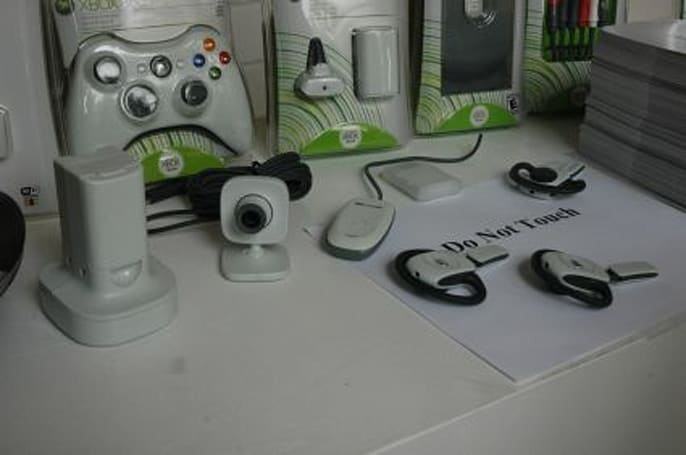 Microsoft announces prices, dates for Xbox 360 peripherals