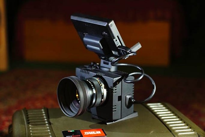 Cinema rig takes the heat out of your NEX-5N, lets you slide in the accessories