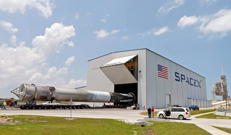 SpaceX hopes to fly again by November, delays Falcon Heavy