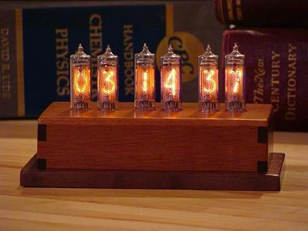 Indicator-6 Nixie clock is handsome, functional, Khruschev-approved