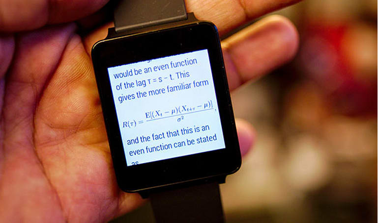 Android Wear app tries to squeeze Wikipedia onto your wrist