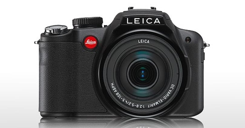 Leica V-Lux 2 looks like an FZ100, shoots like an FZ100, costs a lot more than an FZ100