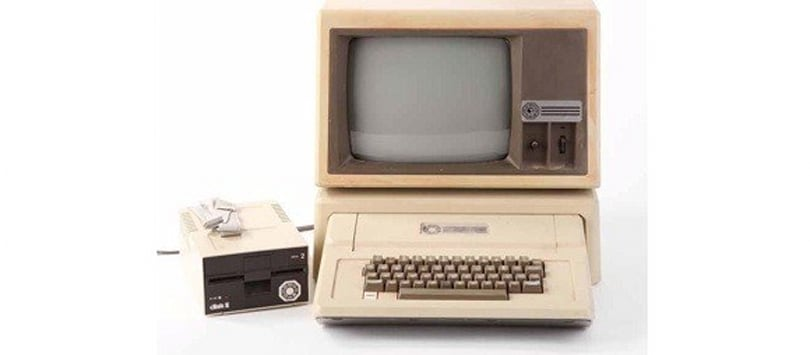 Lost's Apple II up for auction