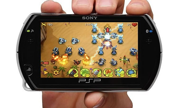 "Sony's plan for ""snackable"" PSP game and application downloads revealed"